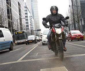 Nouvelle Yamaha YS125 : pour se déplacer en toute liberté. Circuler facilement.